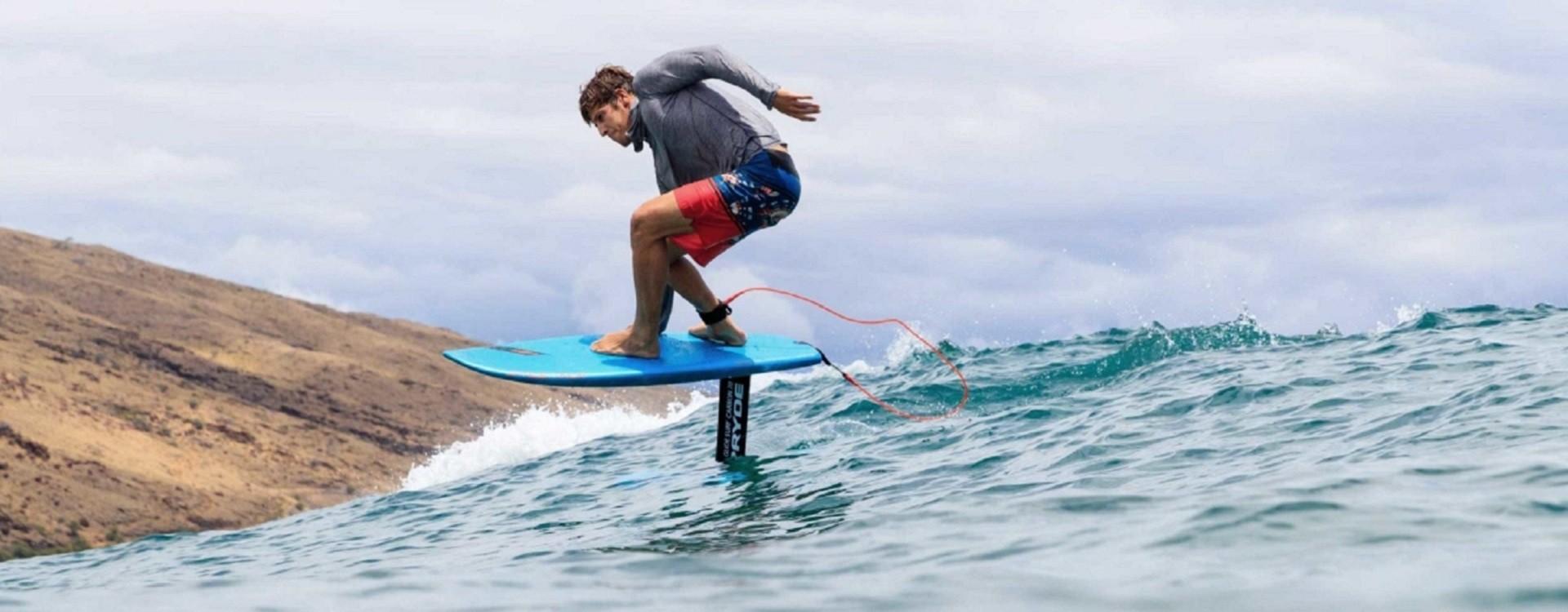 Surf Foil: ecco come impararlo in sicurezza